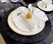 Luxury table setting for dine in hotel — Stock Photo