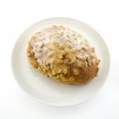 大豆と白プレート isol の icezing のトッピングと新鮮なパン — ストック写真