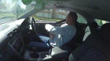 Man driving a car — Stock Video