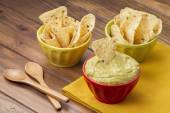 Guacamole dip and nacho — Stock Photo
