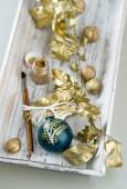 Préparation pour la décoration de Noël or — Photo