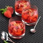 Strawberry wine — Stock Photo #59782147