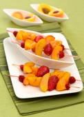 Bonbon brochettes de fruits — Photo