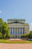 SAINT-PETERSBURG, RUSSIA - June 15, 2014: View of Alexandriyskiy — Stock Photo