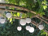 Lanternas brancas. — Fotografia Stock