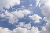 Cloudy clear sky — Stock Photo