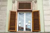 деревенский старый окно — Стоковое фото