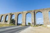 Roman aqueduct in Evora — Stock Photo