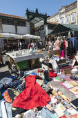 Flea market, Feira Da Ladra, Lisbon — Stock Photo