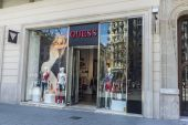 Guess store, Barcelona — Stock Photo