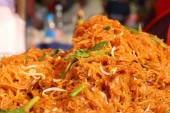Stir fried rice noodle in the market — Stock Photo