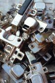 Un conjunto de bienes utiliza llaves de acero inoxidables — Foto de Stock