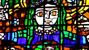 Woman with child stained glass — Stock Video