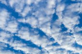 Blue cloudy sky. — Stock Photo
