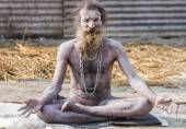 Hardcore renunciate at the Kumbha Mela in India. — Stock Photo