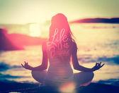 Life is beautiful inscription — 图库矢量图片