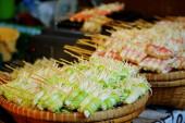 Funghi alla griglia al mercato — Foto Stock