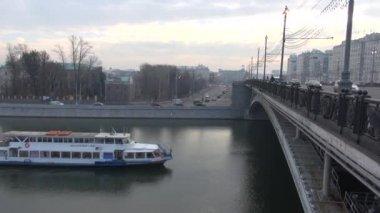 Ship sails under bridge — 图库视频影像