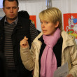 Candidate for mayor of Khimki opposition leader Yevgeniya Chirikova during a visit to one of the polling stations — Stok fotoğraf #57765093