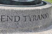 End tyranny - the inscription on the historical monomate in Washington, USA — Stock Photo