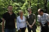 Policy Alexey Navalny, Evgenia Chirikova, Vladislav Naganov, Suren Gazaryan at the meeting of activists in Khimki forest — Stock Photo