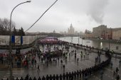 Column of oppositionists on mourning march of memory of Boris Nemtsov — Stock Photo