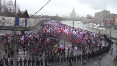 Funeral March of the opposition memory of the murdered politician Boris Nemtsov — Stock Video