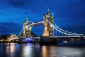 Gece londra tower köprüsü — Stok fotoğraf