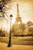 Eiffel Tower in Paris in vintage style processing — Foto de Stock