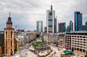 The Main Tower and other skyscrapers in the financial district in Frankfurt am Main, Germany — Stock Photo