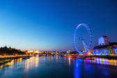 View of the Thames in London with London Eye at blue hour — Stockfoto