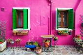 Colorful house on the Isle of Burano near Venice, Italy — Stock Photo