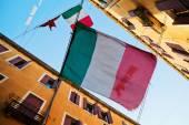 Italian flags in an alley of Venice, Italy — Fotografia Stock