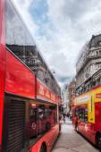 Red busses on the Oxford Circus in London, UK — Stock Photo