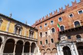 Historical buildings at the Piazza dei Signori in Verona, Italy — Stock Photo