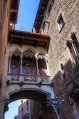 Historical archway in the historical Gothic Town of Barcelona, Spain — Stock Photo
