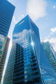 Wolkenkratzer im finanziellen Bezirk La Defense in Paris, Frankreich — Stockfoto