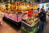 Market hall La Boqueria in Barcelona, Spain — Stock Photo