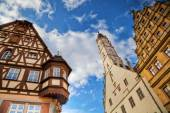Old buildings in the picturesque old town of Rothenburg ob der Tauber in Germany — Stock Photo