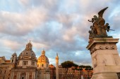 Historical buildings in the old town of Rome, Italy — Stockfoto