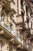 Facade of a historical building in Prague, Czechia — Foto Stock
