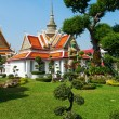 Small building nearby the famous Wat Arun Temple in Bangkok, Thailand — Stock Photo #62526769
