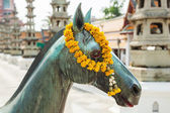 Horse sculpture at the temple Wat Suthat, Bangkok, Thailand — Stock Photo