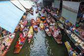 Famous floating market Damnoen Saduak in Thailand — Stock Photo