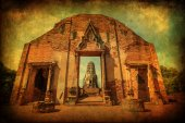 Vintage style picture of the Wat Ratchaburana, a ruin of a Buddhist temple in the Ayutthaya historical park, Thailand — Stock Photo