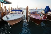 Boats on the Venetian lagoon — Foto Stock