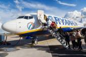 Airplane from Ryanair at an airport in Maastricht, Netherlands — Stock Photo