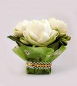 White lotus bouquet — Stock Photo