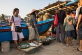 Fish monger, Jimbaran fishing village, Bali Island — Stock Photo