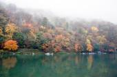 Hills and lake in Arashiyama, Japan. — Stock Photo